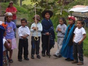 ecuador cloud forest adventure volunteer kinder