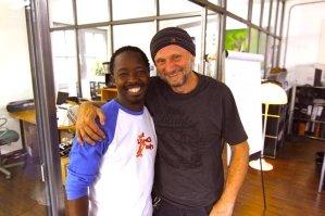 suedafrika-kapstadt-township-volunteer-skateboard-mthunzi-titus