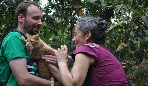 Christian, Lidia und eine Katze.