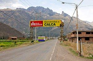 Von Cusco geht es nach Calca, wo Heiner die ersten Einblicke in die Freiwilligenarbeit erhält.