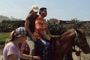 Freiwilligenarbeit in der Reittherapie (Peru)