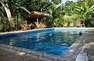 Peru: Ein Pool im Regenwald