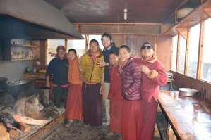 nepal-himalaya-volunteer-monastery-kitchen